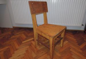 Hotová židlička - povrchová úprava přírodním olejem